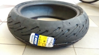 Pneu Michelin Road 5 190/50  ZR17